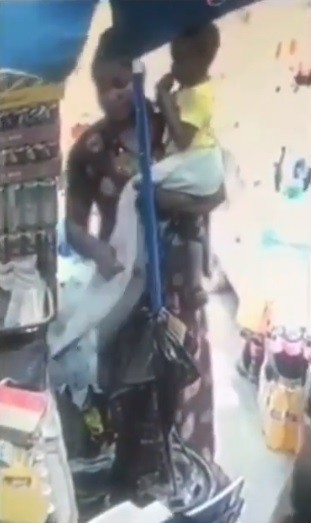Nursing mother Seeking for a job caught on CCTV footage stealing a bag (Video)